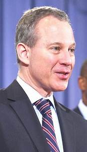 Schneiderman resigns as NYS attorney general - Queens ...
