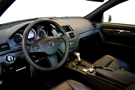The engine offers a displacement of 3.0 litre matched to a 4 x 4 wheel drive system and a automatic gearbox with 7 gears. 2010 Mercedes Benz C300 4matic | The Car Place