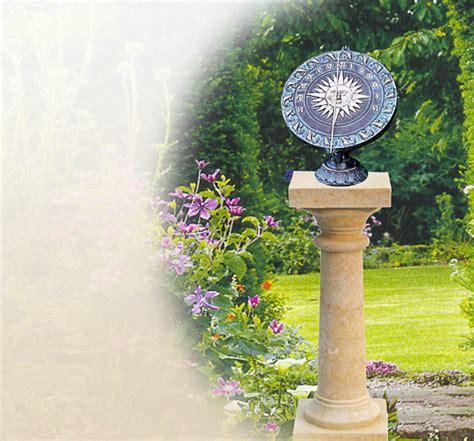 Sonnenuhren Für Garten by Horiziontale Natursteinsonnenuhr Metallsonnenuhr