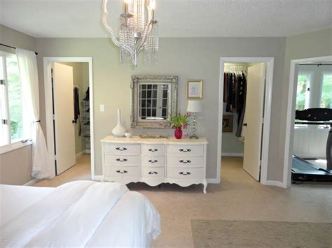 Wonderful Small Master Bathroom Closet Ideas