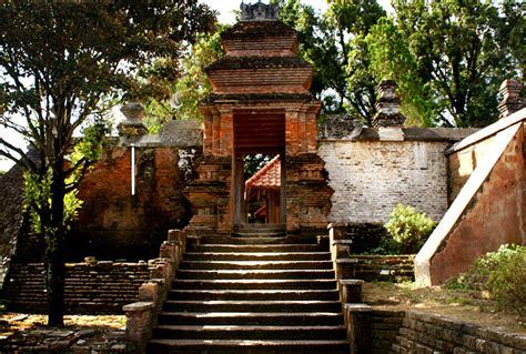 wisata sejarah peninggalan kerajaan mataram  kotagede