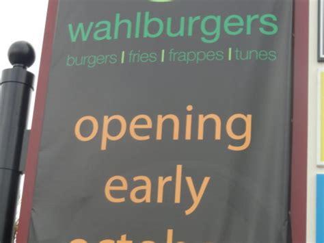 wahlburgers grand
