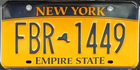 Vanity Plates Ny by Why Are There 2 Different Ny License Plates Quora