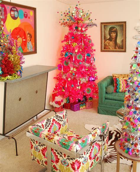 ide dekorasi pohon natal unik  bikin perayaan natal