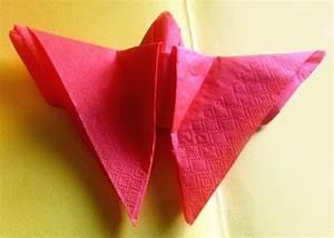 Papierservietten Falten Anleitung : papierservietten falten bild f r bild anleitung f r schmetterling ~ Frokenaadalensverden.com Haus und Dekorationen