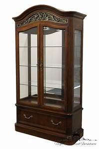 High End Used Furniture STANLEY FURNITURE 46 Lighted