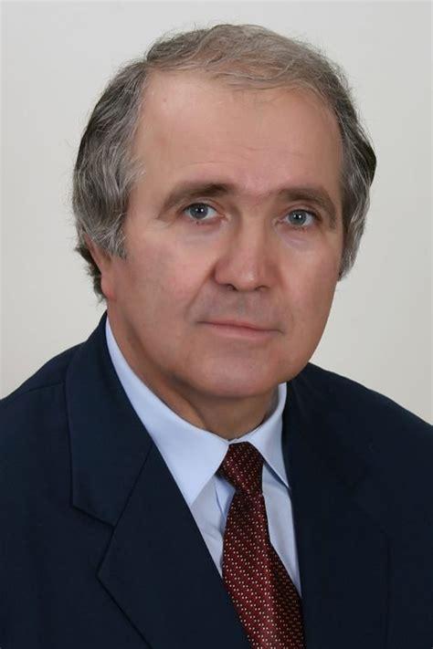 Opustila nás popredná osobnosť UMB - profesor Igor Kosír ...