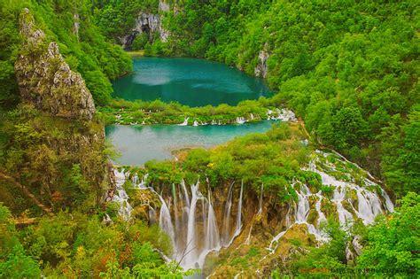 beautiful waterfall landscapes beautiful landscape of waterfall hd wallpaper wallpaper pic collections