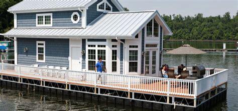2 Story Houseboat   Harbor Cottage Houseboats