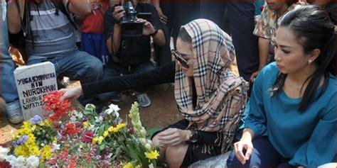 Bebas Dari Penjara Nikita Mirzani Langsung Makam Olga