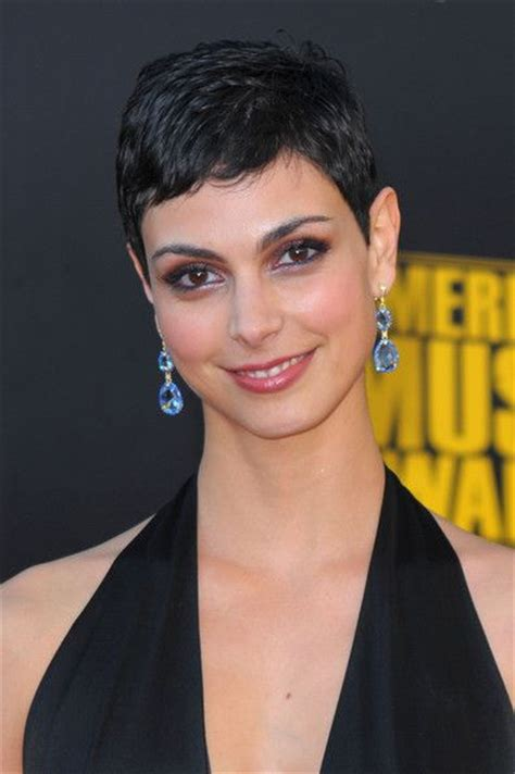 medium hair styles images 338 best morena baccarin images on brunettes 8451