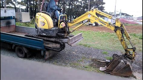 yanmar mini excavator vio digger loading youtube