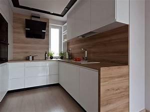 Küchen In Holzoptik : wei e grifflose k chenfronten arbeitsplatte und r ckwand in holzoptik k chen pinterest ~ Markanthonyermac.com Haus und Dekorationen