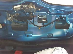 Ford Fiesta Coffre : coffre bloqu ford fiesta iv fiesta ford forum marques ~ Maxctalentgroup.com Avis de Voitures
