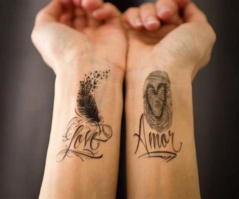 tattoo schriften und schriftarten  ideen fuer schriftzug