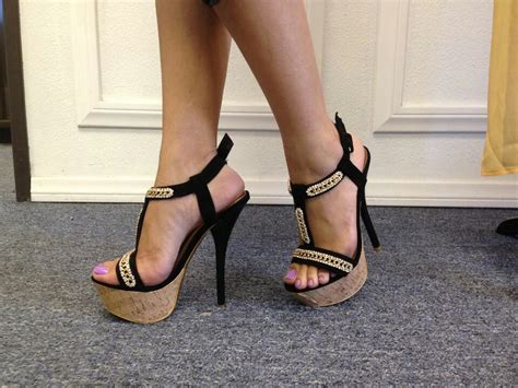 Pin By Thrifty Nikki On Shoes Heels Pretty Shoes Hot Heels