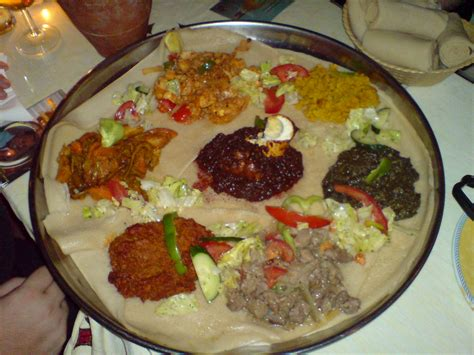 gold coffee table file eritrean food on an injeera jpg wikimedia commons