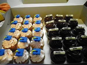 Graduation Cupcakes - CakeCentral com