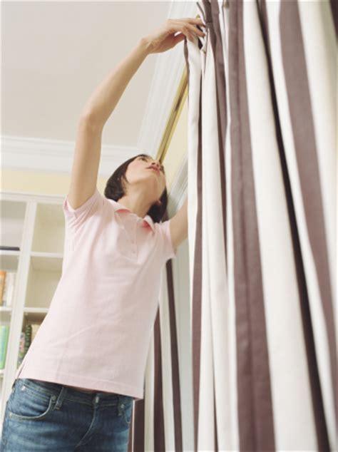 comment poser une tringle 224 rideaux installer tringle rideaux tuto mettre tringle rideaux