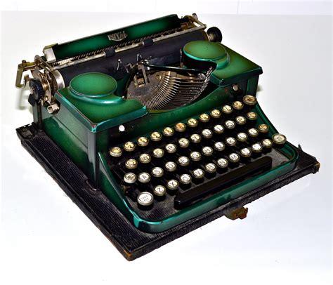 royal typewriter royal portable early 1930s antique typewriter emerald green