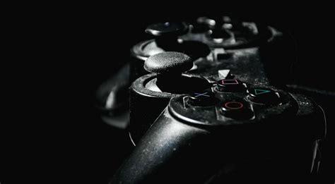 sexist violent video games reduce empathy  female