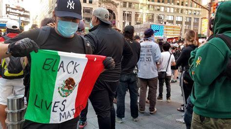 """Orgullo """"black & brown"""": Los latinos en EEUU salen a"""
