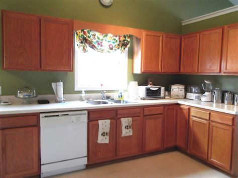 where to get cheap kitchen cabinets cheap white kitchen cabinets image to u 2031
