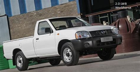 nissan hardbody  tonpicture  reviews news specs