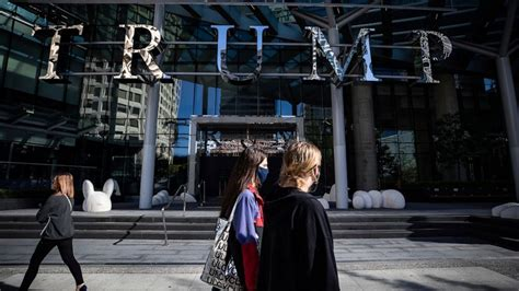 trump hotel vancouver bankruptcy closes company international
