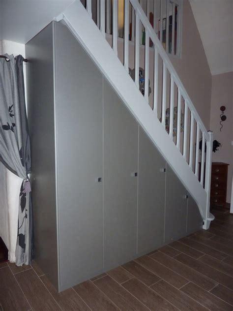 les bureaux de poste aménagement de placards sous escaliers les créations de