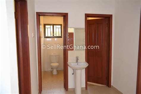 2 Or 3 Bedroom House For Rent by 2 3 Bedroom House For Sale Tema Comm 25 Sellrent