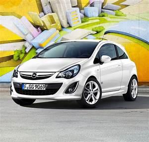 Opel Corsa Turbo : opel corsa 1 4 turbo all black all white color edition ~ Jslefanu.com Haus und Dekorationen
