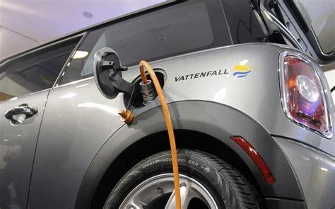 sales  electric vehicles  hybrids soar  greece