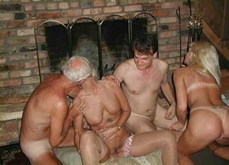 Old Amateur Couples In Hot Swingers Party Pichunter
