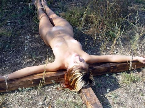 Cross In The Jungle Teen Porn