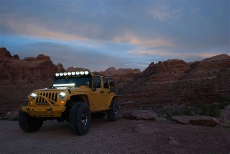light bar on jeep kc hilites 91312 gravity 174 pro6 led light bar for 97 06