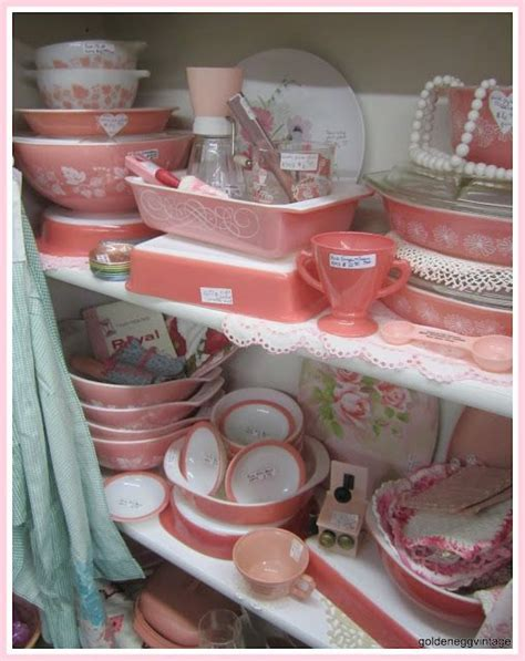 what to put in kitchen canisters 1000 images about vintage kitchen on dinette