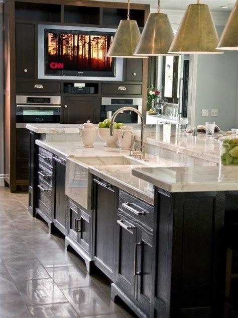 kitchen island  sink  dishwasher  seating