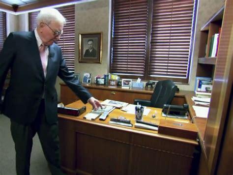 Desk reporter