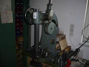 Industrie Kleiderständer Gebraucht : ageo drehdornpresse gebraucht kaufen auction premium ~ Watch28wear.com Haus und Dekorationen