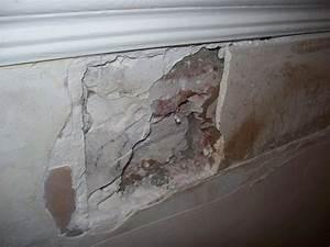 Reboucher Trou Mur Placo : boucher un tr s gros trou dans le mur ou refaire le mur ~ Melissatoandfro.com Idées de Décoration