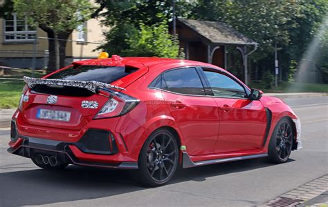 2019 Honda Civic Type R Spied In Red, Differs From White