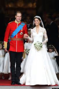 couturiã re robe de mariã e oh happy day kate middleton and prince william celebrate second wedding anniversary huffpost uk