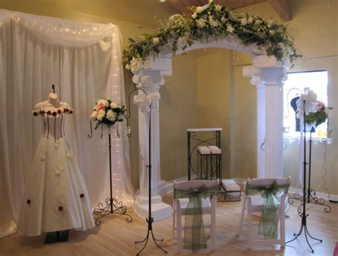 decorate wedding ceremony room different way to set up backdrop maybe use piano with flowers on it for backdrop