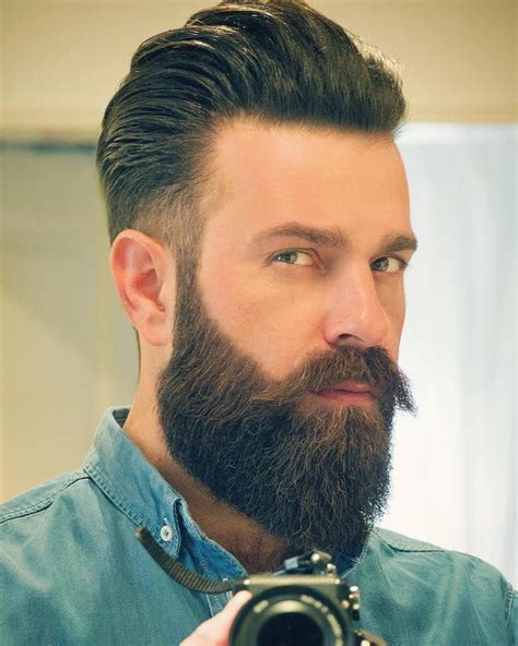 Style De Barbe Longue Barbe Longue Des Centim 232 Tres Et Des Sentiments Mode Homme Barbe Barbe Homme