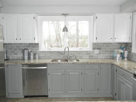 gray bottom kitchen cabinets 1000 ideas about two toned kitchen on two