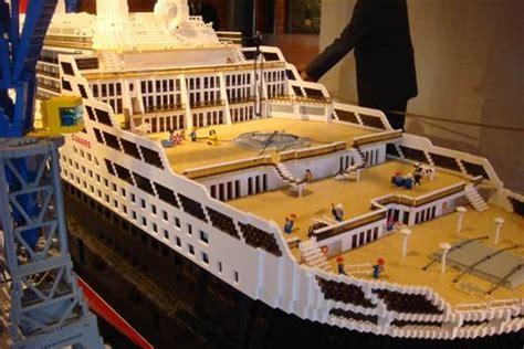 lego ship sinking in pool lego 2 sinking
