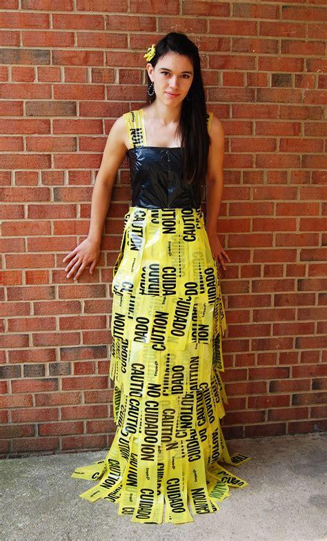 caution tape dress tervezes hazi trash bag dress