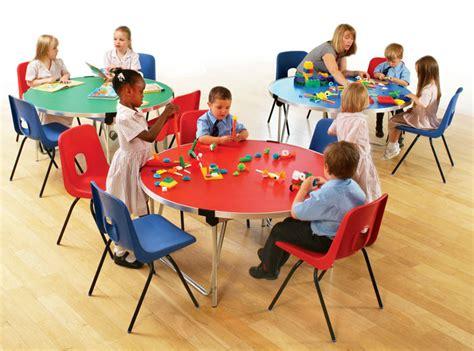 ee gopak  folding table ft diameter