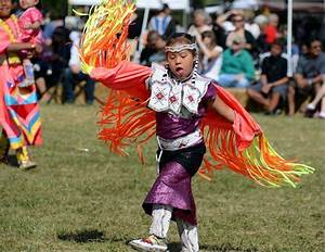 American Indian Pow Wow celebrates culture at Busse Woods